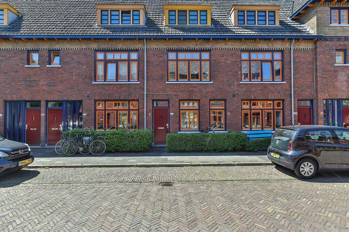 stadswoning in Amsterdamse Schoolstijl Groningen